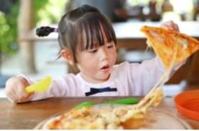 5 thực phẩm gây hại cho não bộ của trẻ, bé ăn càng nhiều càng kém thông minh