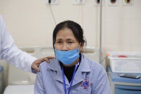 Cả 2 cùng mắc ung thư, chồng nhường vợ điều trị trước