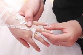 Chồng tháo nhẫn cưới vì rộng nhưng sự thật khiến tôi chết lặng