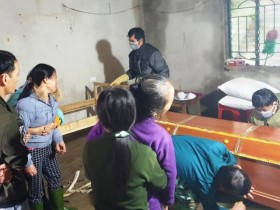 Hà Tĩnh: Bố bị lũ cuối trôi, 4 mẹ con bơ vơ giữa muôn vàn nỗi khổ