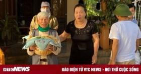 Cụ ông 98 tuổi mua 3 tấn gạo gửi đồng bào vùng lũ miền Trung