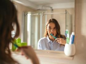 Không đánh răng làm tăng nguy cơ ung thư miệng và dạ dày