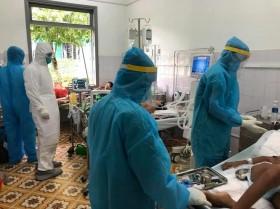 WHO lo khả năng chịu đựng của hệ thống y tế trước COVID-19, Việt Nam tăng người cách ly