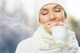 Uống 1 cốc nước ấm đúng vào giờ vàng này mỗi ngày, điều kì diệu sẽ xảy ra với cơ thể bạn