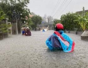 Hà Tĩnh: Mưa lũ khiến 4 người tử vong, nhiều tuyến đường nứt toác