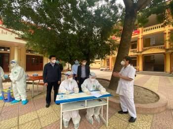 Phong tỏa 400 hộ dân liên quan nhân viên y tế Hải Dương nghi nhiễm Covid-19