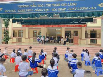 Bạn trẻ Cần Thơ góp sức hỗ trợ đồng bào miền Trung