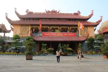Giáo hội Phật giáo TP.HCM kêu gọi tăng ni, Phật tử góp vắc-xin Covid-19