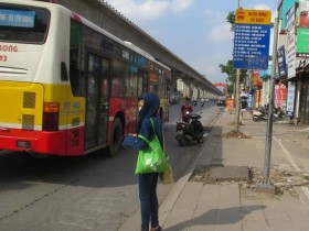 """Làm gì để xe buýt """"thân thiện"""" với người dân?"""
