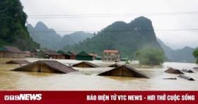 Các tỉnh miền Trung tiếp tục mưa to, lũ quét và sạt lở đất rình rập khắp nơi