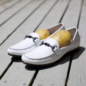 Cách nới rộng giày chật đơn giản, hiệu quả không cần tìm đến thợ