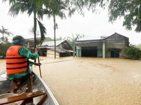 Dự báo thời tiết 24/10: Ảnh hưởng cơn bão số 8, miền Trung tiếp tục mưa lớn