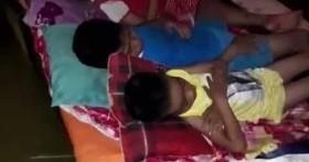 Hình ảnh xót xa ở Quảng Bình: Trẻ em ngủ trên bè kết, nhiều người thương vong khi chạy trốn lũ lịch sử
