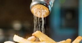 Dùng nhiều muối có thể nguy hiểm tới tính mạng người dùng nên từ bỏ