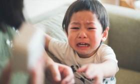 Những câu nói đùa vô ý của bố mẹ tưởng không hại nhưng hại không tưởng khiến trẻ bị tổn thương sâu sắc