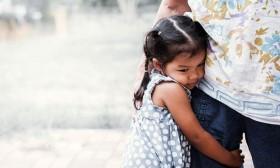 Những kiểu dạy con sai lầm của cha mẹ Việt khiến trẻ ngày càng yếu đuối