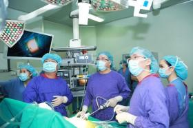 Phẫu thuật thu nhỏ dạ dày cho người béo phì có nhiều bệnh lý nền phức tạp