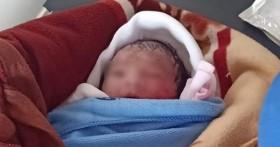 Bé gái sơ sinh bị bỏ rơi dưới trời nắng nóng ở Thái Bình: Nỗi đau tột cùng khi người vứt bỏ chính là con dâu của người phát hiện