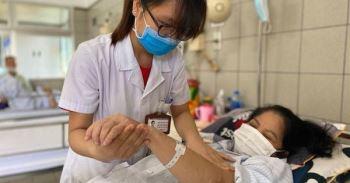 Ho, sốt, đều dùng thần dược, nhiều bệnh nhân nhận kết đắng