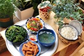 Quá bận rộn ăn uống sao cho đảm bảo dinh dưỡng?