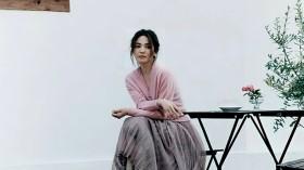 Song Hye Kyo xuất hiện với gương mặt cứng đơ sau tin đồn hẹn hò Hyun Bin