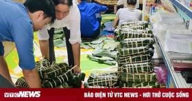 Hàng nghìn 'đòn bánh nghĩa tình' từ Tây Nguyên gửi vùng lũ miền Trung