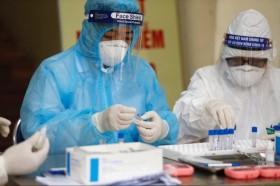 Việt Nam ghi nhận thêm 12 ca mắc mới COVID-19