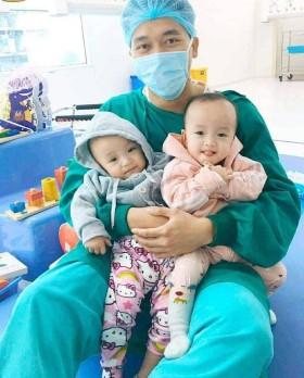 Cư dân mạng quan tâm: Cặp song sinh Trúc Nhi - Diệu Nhi xuất viện