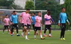 Văn Hậu dính chấn thương, Hà Nội FC nhận cú sốc lớn
